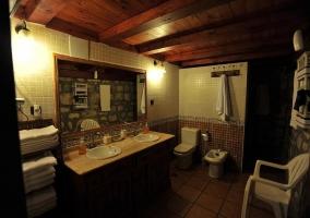 Otra vista del cuarto de baño