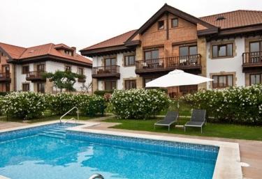 Apartamentos Ciudad de Petra - Santillana Del Mar, Cantabria