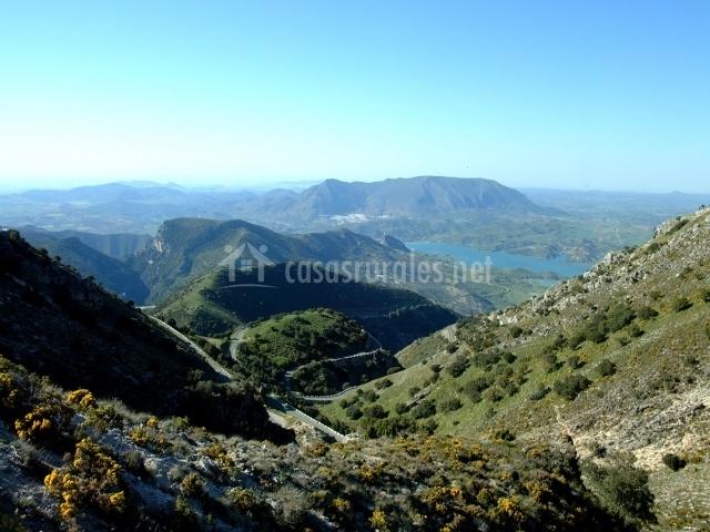 Paisaje de las montañas que forman la Serranía de Cádiz
