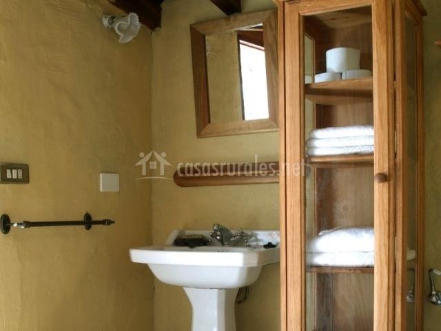 Aseo del alojamiento con detalles de las toallas