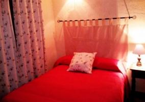 Dormitorio matrimonial naranja