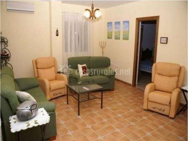 Salón de la planta superior  con sofás