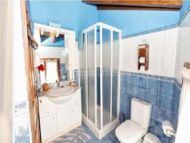 La casina en intriago asturias - Cuartos de bano con plato de ducha ...