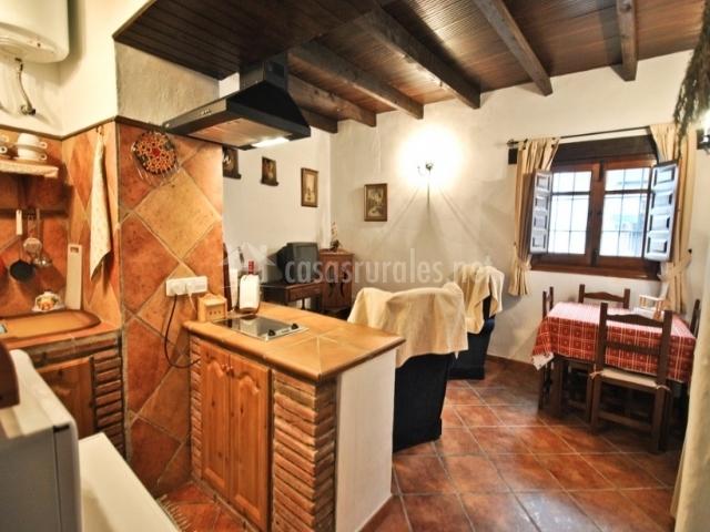 Cortijo las monjas en periana m laga - Salon cocina rustico ...