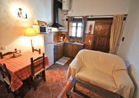 Salón y cocina de El Saladero