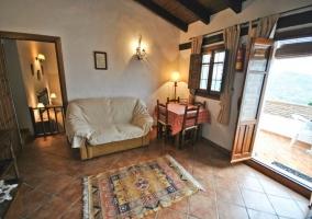 Salón y entrada al dormitorio de Atroe