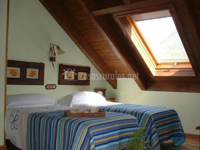 Dormitorio triple Canciás