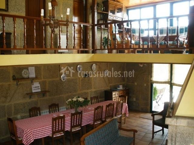 Casa da barreira en soutomaior pontevedra - Salon doble altura ...