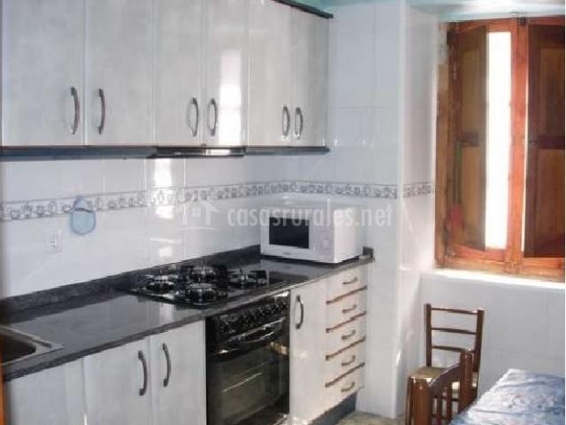 Casa trini cantavieja en cantavieja teruel - Cocina casa rural ...