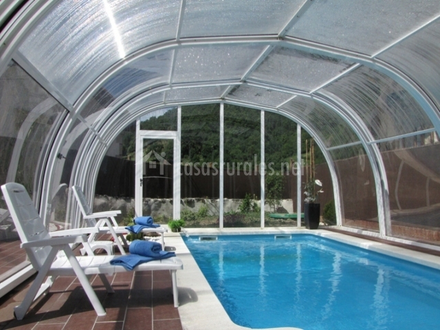 Casa uyarra en aranarache navarra - Casa rural con piscina cubierta ...