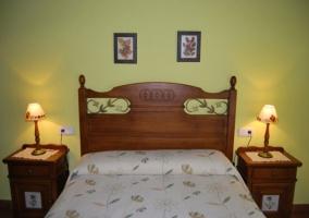 Dormitorio de matrimonio en verde claro