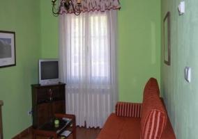 Dormitorio de matrimonio verde