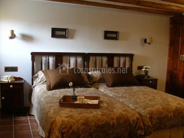Alojamientos rurales torrebale en morella castell n - Cojines marrones ...