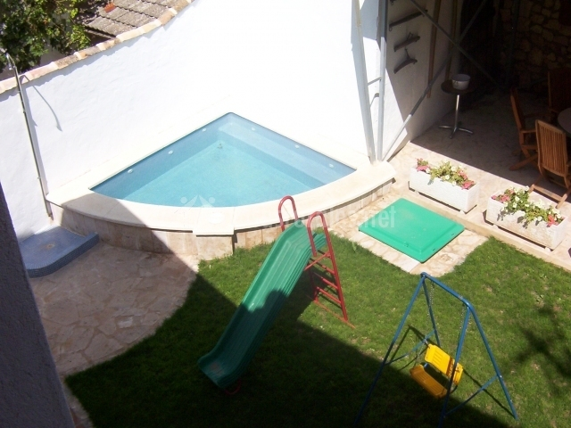 Casa rural almendros casas rurales en almendros cuenca for Casa de campo pequena con piscina