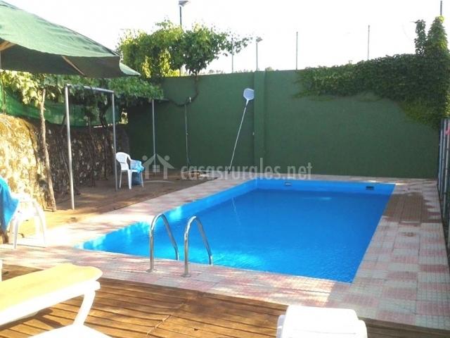 Casa rural sietevillas en villasbuenas de gata c ceres for Alojamiento con piscina