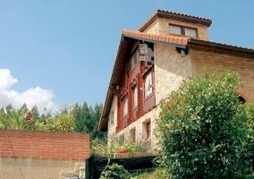 Ventanas y balcones de la casa