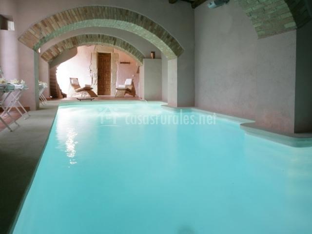 El munt casas rurales en castellter ol barcelona for Casas con piscina baratas barcelona