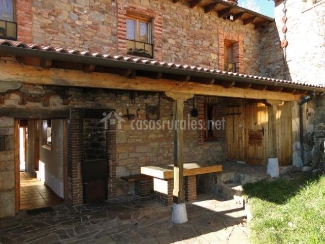 Cola de caballo en valdorria le n - Casas rurales madera ...