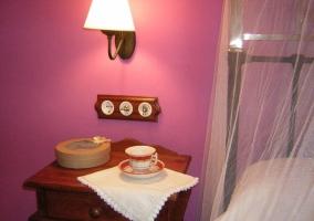 Detalle de dormitorio malva