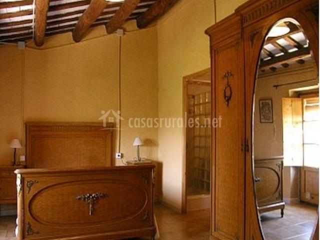 Masia can parellada en olesa de bonesvalls (barcelona)