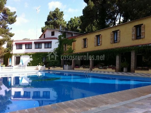 Hotel rural arco iris en jabaga cuenca for Hoteles con piscina en cuenca