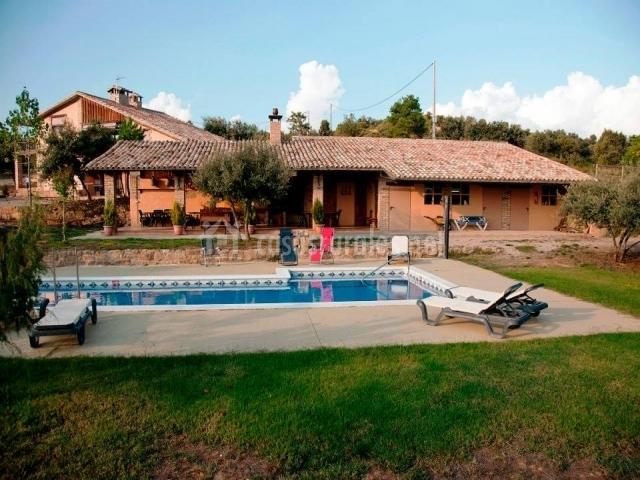 La pallera en biosca lleida - Casas rurales lleida piscina ...