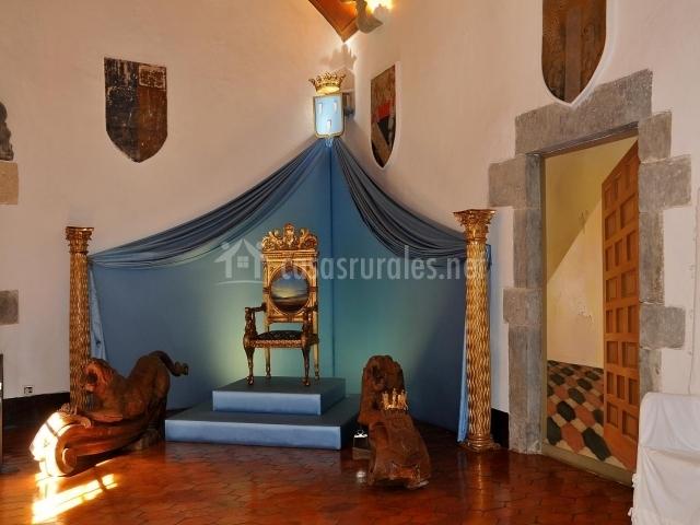 Castillo de Púbol interior