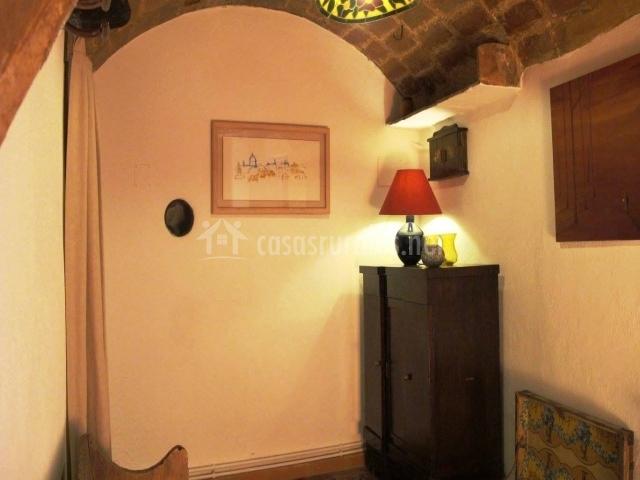 Mobiliario con techo abovedado