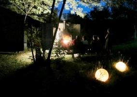 Barbacoa por la noche