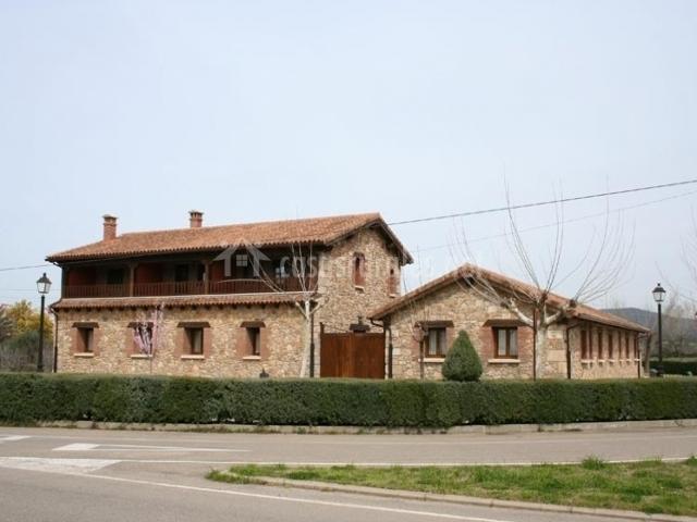 La casa desde la carretera