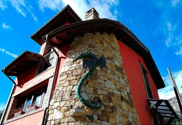 El Cuelebre del Bau - Carreña De Cabrales, Asturias