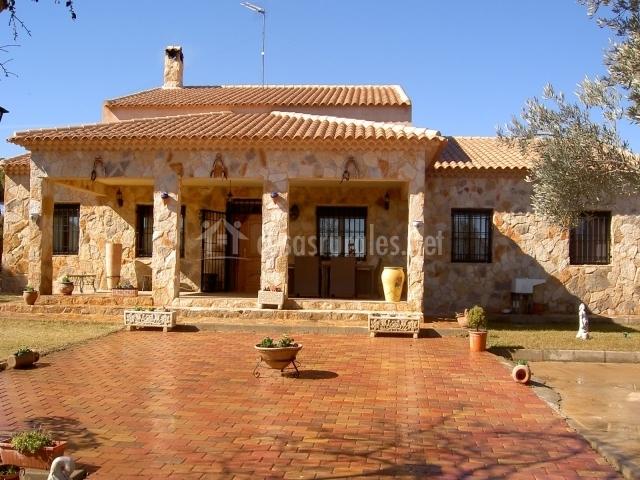 Casa rural esmeralda en villanueva de la jara cuenca for Casa rural priego cuenca