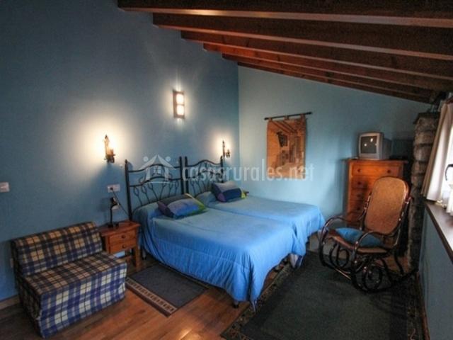 La quintana sinariega en sinariega asturias for Mueble cama doble