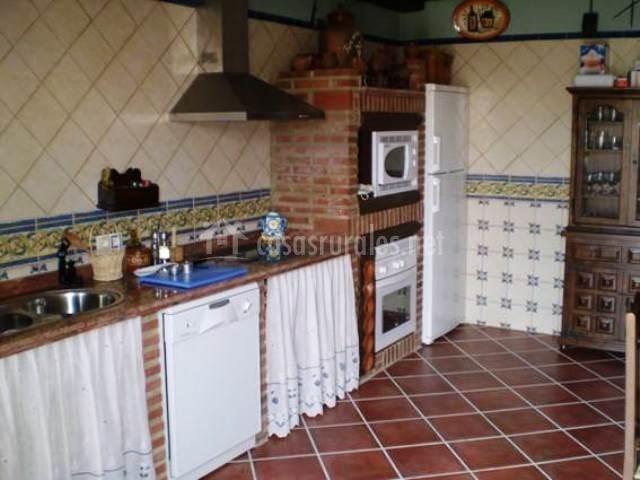 Piedras de benquerencia en benquerencia c ceres for Cocinas de concreto y azulejo
