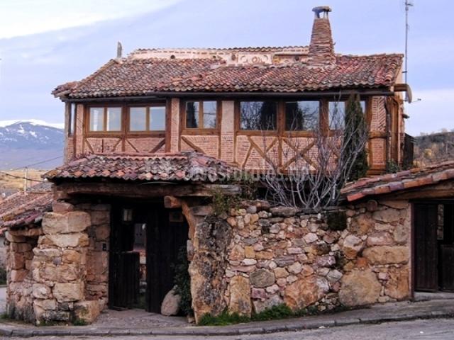 El canto del p jaro en adrada de piron segovia - Casa rural pajaro bobo ...