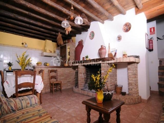 Casa rural misolete casas rurales en cortegana huelva for Cocinas con chimenea