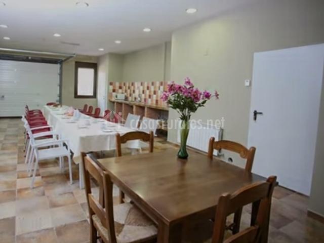 Casa rural miraltajo en corduente guadalajara for Mesa comedor pequena