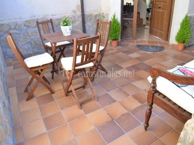 Vistas de castilla en villovela de piron segovia for Casa muebles de exterior