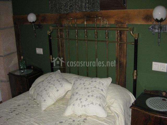 Maravillosa cama de matrimonio