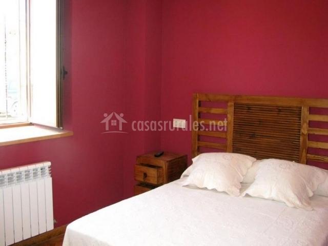 Casa rural osingain landetxea casas rurales en leci ana - Colchas dormitorio matrimonio ...