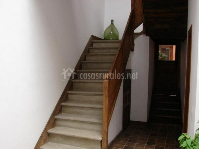 Escaleras de acceso a las plantas superiores