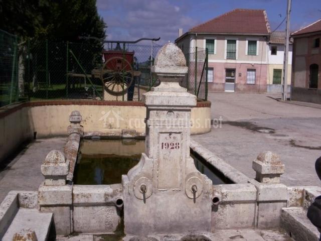 Zona centro con fuente antigua