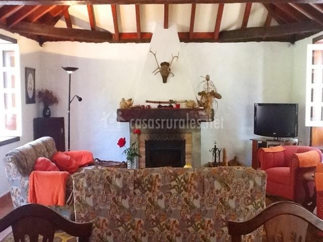 Casa la hondura en la orotava tenerife for Sala de estar en el patio