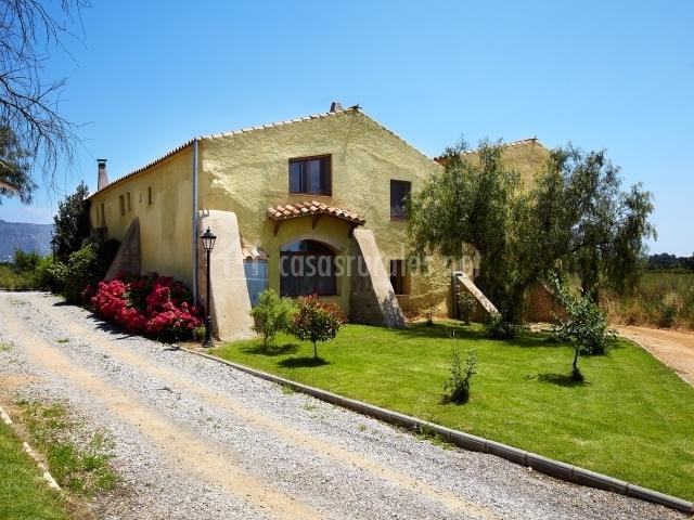 Apartamento mas fita en vilanova de la muga girona - Casas rurales cadaques ...