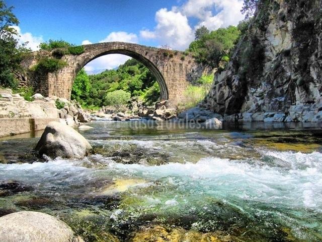 Puente Romano Matrimonio : Apartamento rural los enebros en madrigal de la vera cáceres