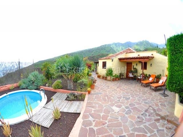 Casa rural villa acoroma en igueste de candelaria tenerife for Casa rural con piscina en tenerife
