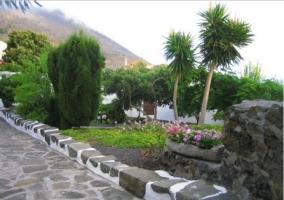 Vistas de los caminos a la casa, en piedra