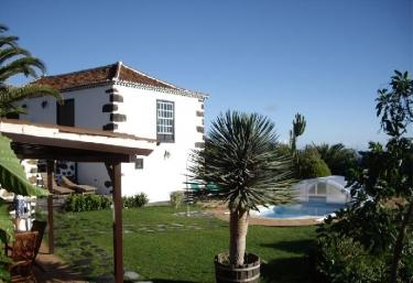 Casas rurales con piscina en el calvario mazo for Casas vacacionales con piscina