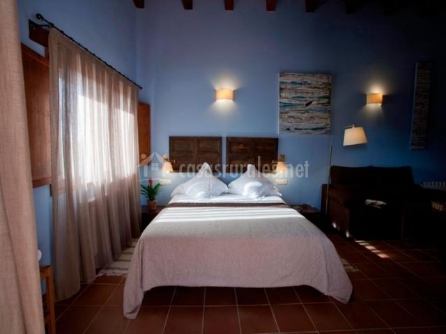 Hotel mas del rei en calaceite teruel - Camas pegadas ala pared ...