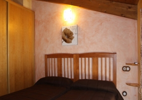 Maravilloso dormitorio en buhardilla